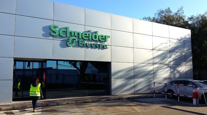 Oficinas centrales y vestuarios Schneider electric MELIANA
